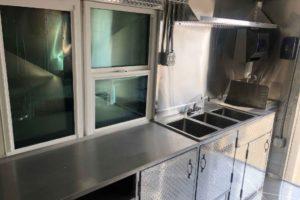 Food-Truck-Kitchen11