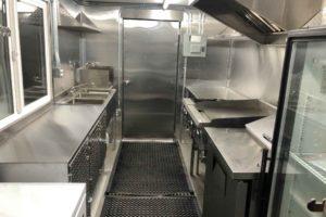 Food-Truck-Kitchen3