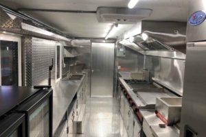 Food-Truck-Kitchen30