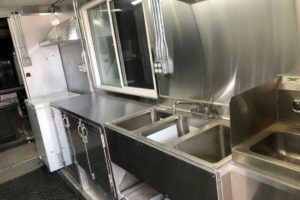 Food-Truck-Kitchen5
