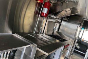 Food-Truck-Kitchen8