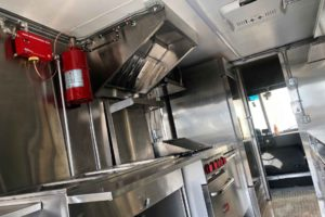 Food-Truck-Kitchen9